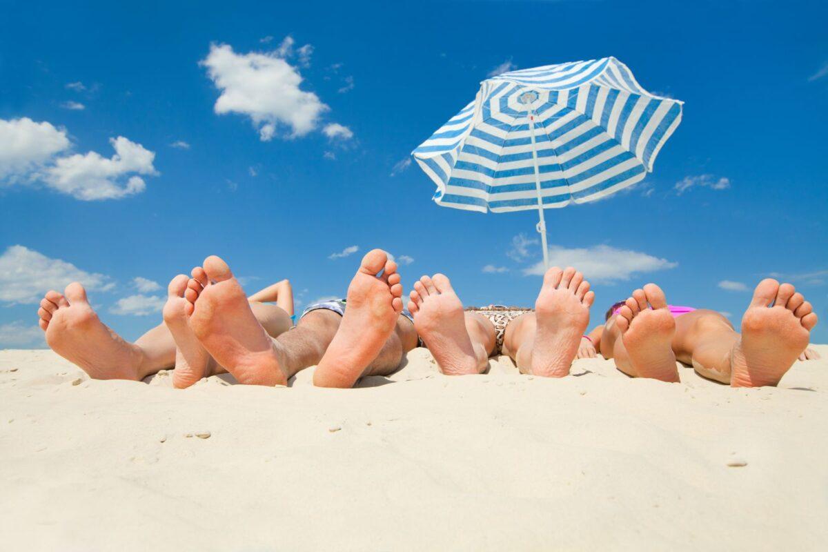Le solite promesse al vento<br>L'aiutone per il turismo è diventato un aiutino<br>Con il bonus conte ci dice pure dove andare in vacanza