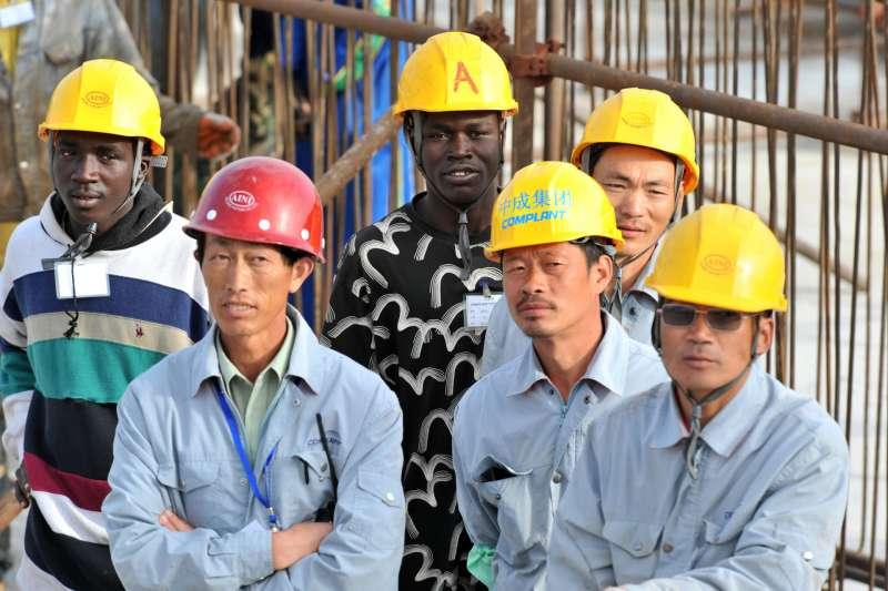 La cinesizzazione dell'Africa, ecco come i cinesi stanno colonizzando il continente nero