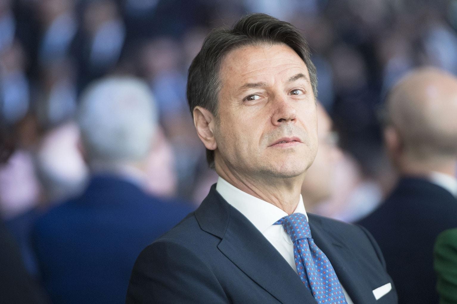Conte e il complesso dell'usurpatore<br>L'ombra di Renzi fa tremare l'avvocato