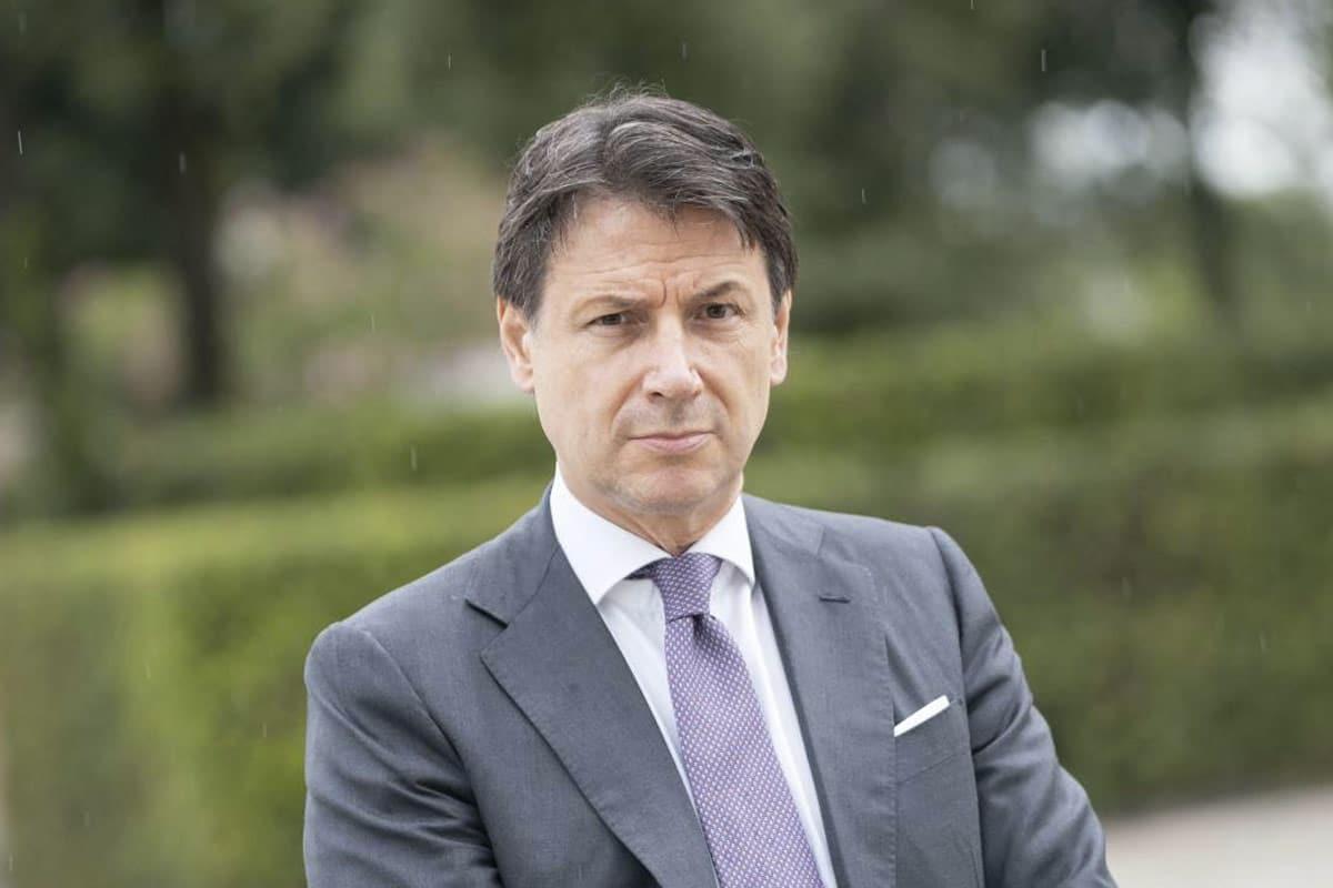 CONTE E IL COMPLESSO DELL'USURPATORE <br>L'OMBRA DI RENZI FA TREMARE L'AVVOCATO