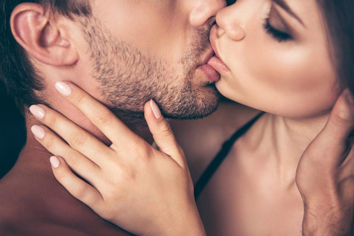 Dedichiamo ai baci 1.209.600 secondi della nostra vita e baciando ci scambiamo fino a un miliardo di batteri <br> Smettere di farlo è smettere di amare
