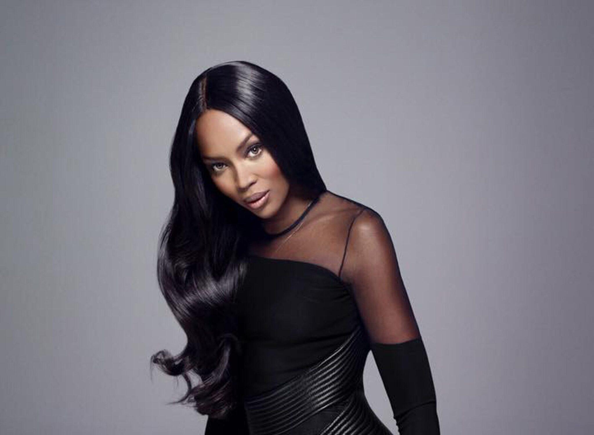 Naomi Campbell accusa l'industria della moda di razzismo<br>Eppure l'ha ricoperta d'oro