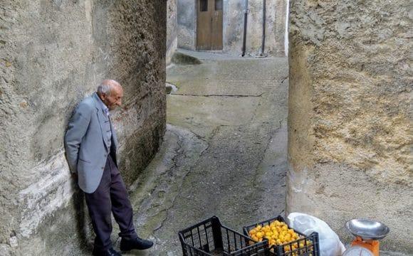 La foto del contadino divenuta virale sul web