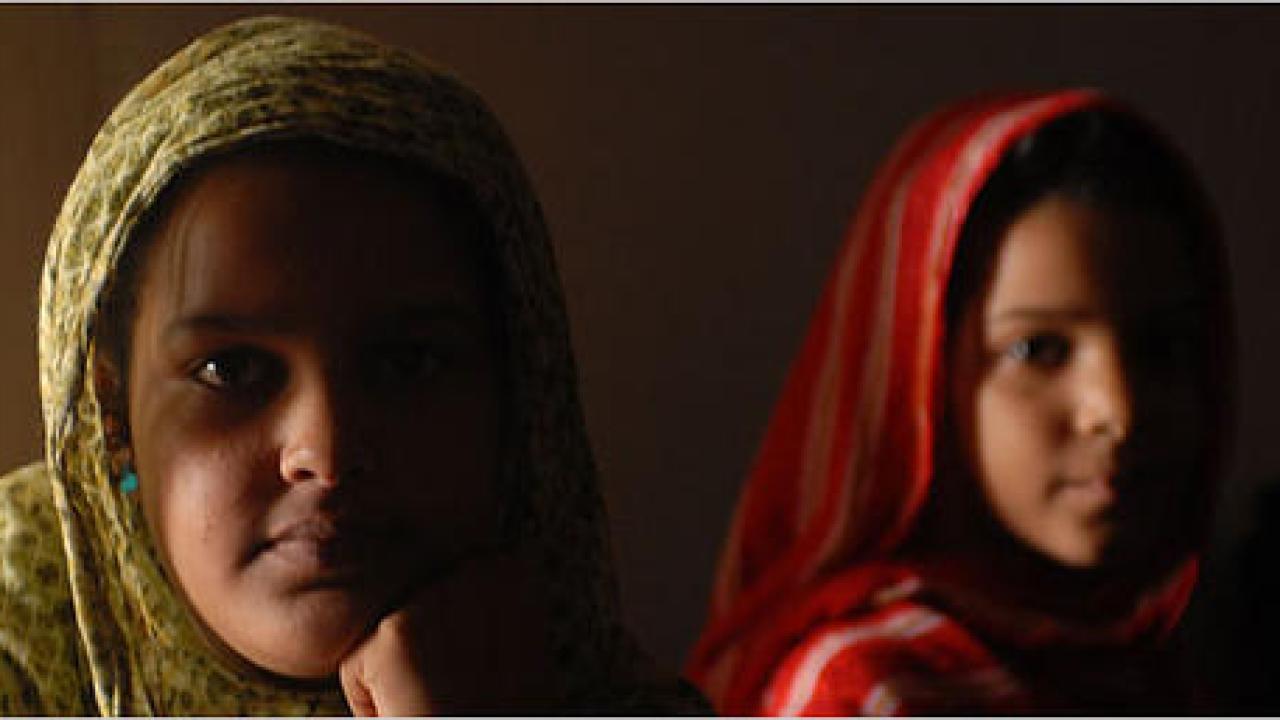 Bimbe ingozzate perché raggiungano i 100 kg <br> Il triste destino delle piccole mauritane, costrette all'ingrasso per trovare marito