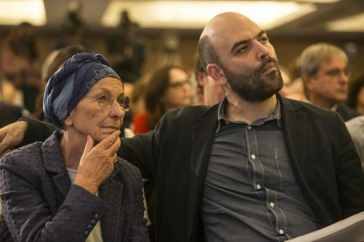 Saviano e Bonino oggi in piazza per chiedere più migranti <br> Intanto Lampedusa collassa <br> I progressisti accusavano i manifestanti di destra di diffondere il virus, ora stanno muti davanti alle fughe di immigrati infetti