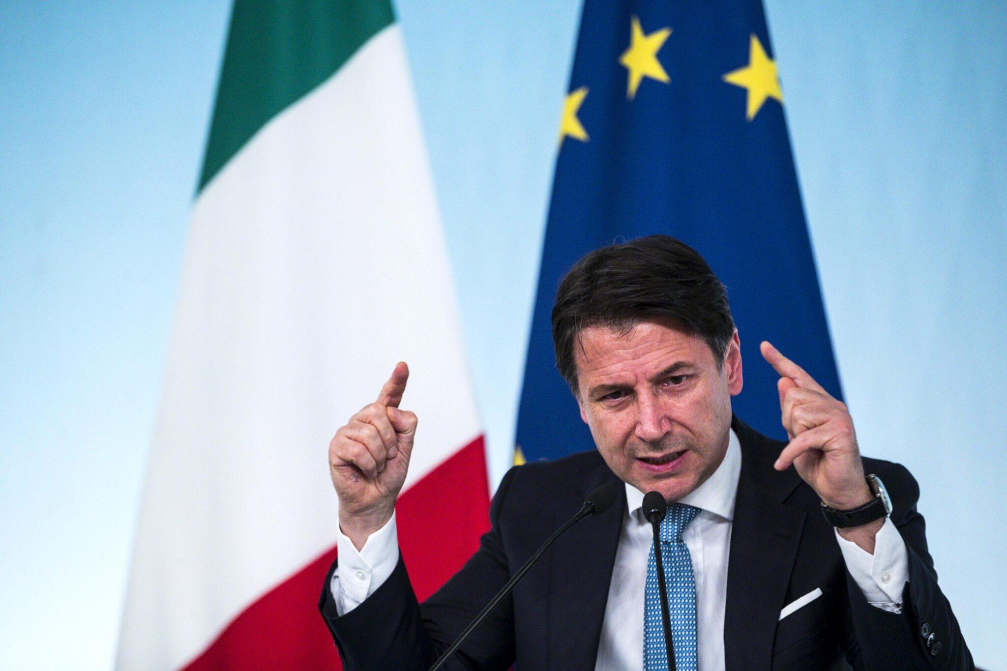 Per Repubblica Conte è il premier più amato dal 1994 <br> Eppure il 60% degli italiani non gli affiderebbe neppure il pesce rosso prima di andare in vacanza
