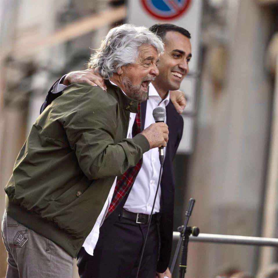 """""""Dobbiamo dire grazie a Beppe Grillo"""", gli auguri di buon compleanno di Gigino al comico <br> Divertenti i commenti degli utenti"""