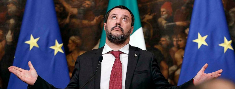 L'Italia diventa ufficialmente la latrina d'Europa <br> Con il sì al processo a Salvini, i giallorossi hanno imposto un principio pericoloso: chi protegge i confini va processato <br> Colpo mortale alla sovranità