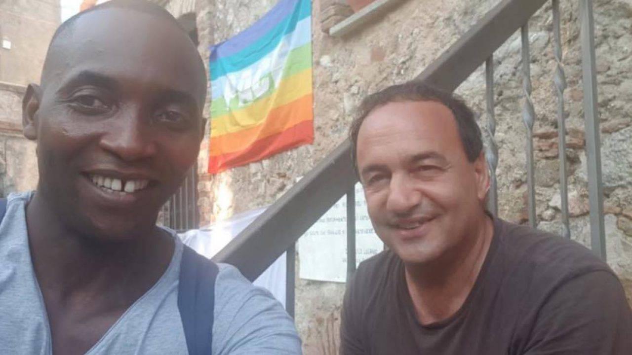 """Mimmo Lucano: """"La vera emergenza non sono i migranti, ma il razzismo"""" <br> Cgil ed ex sindaco di Riace vorrebbero trasformare il borgo in un centro Covid per extracomunitari"""