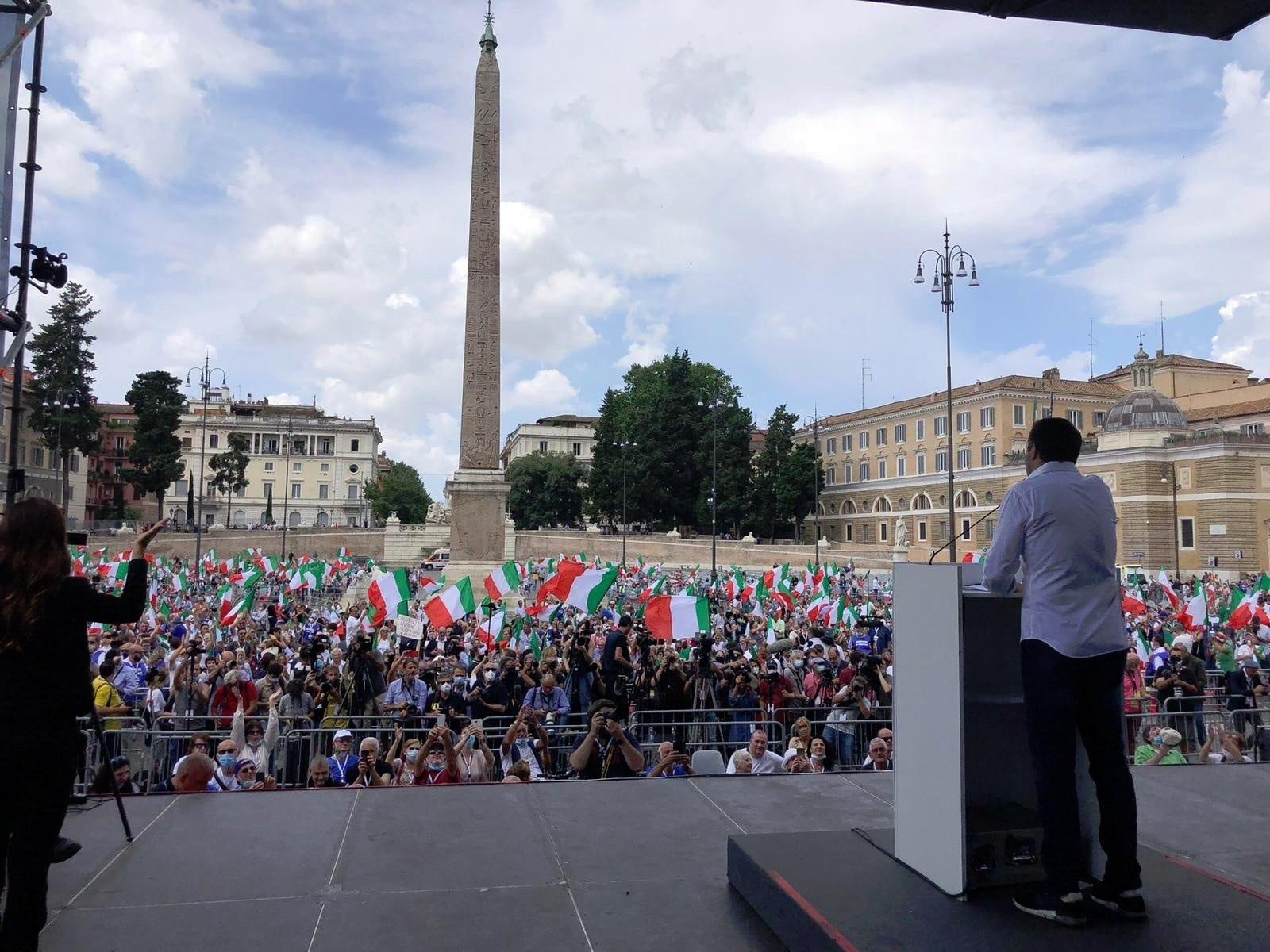 """Il Fatto insiste: """"La destra fa flop. Piazza del Popolo senza il popolo"""""""