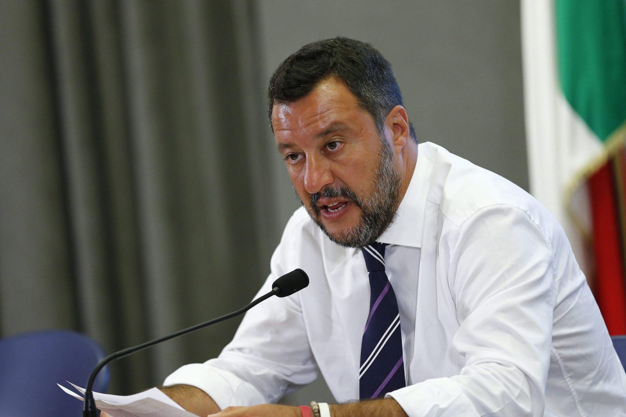 I meridionali votano Salvini perché è l'unico che li ascolta <br> Pd e M5s se ne fregano del Sud