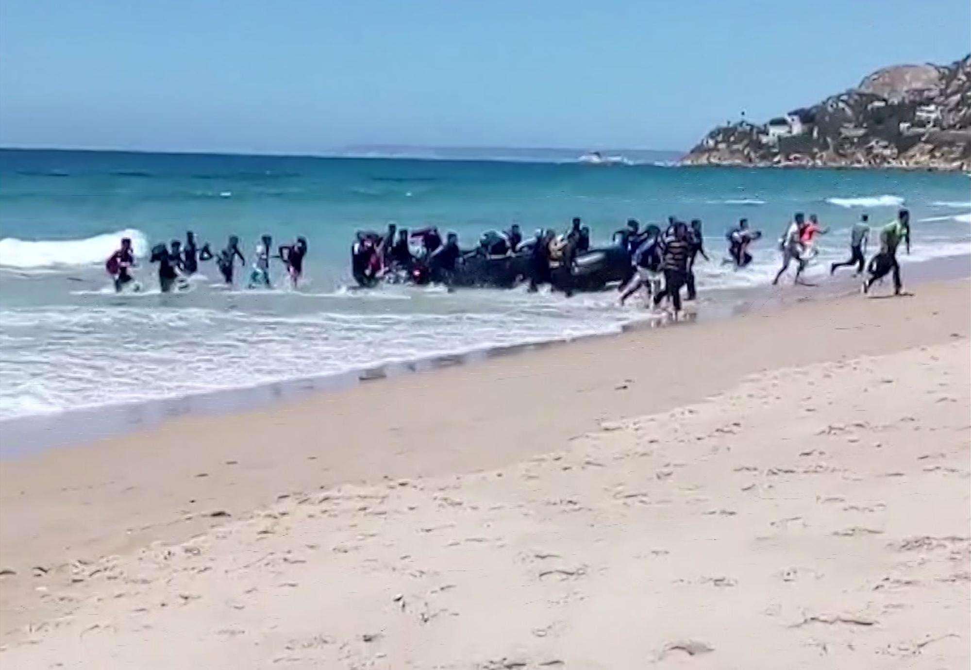 Quel dubbio inquietante che terrorizza il Viminale <br> Troppi migranti sfuggono ai controlli