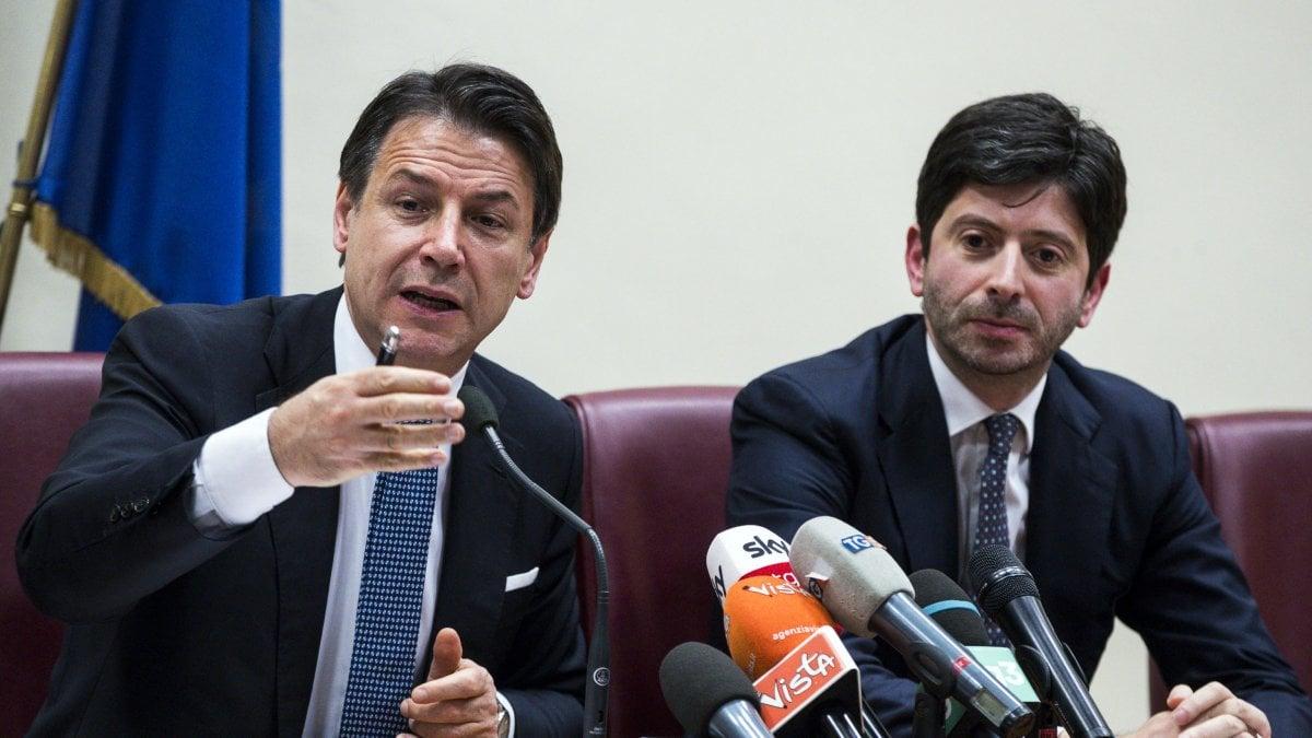 C'è speranza che Speranza si svegli? <br> Prime multe da 1000 euro in Campania a chi non indossa la mascherina <br> Intanto accogliamo centinaia di infetti che poi si disperdono sul territorio