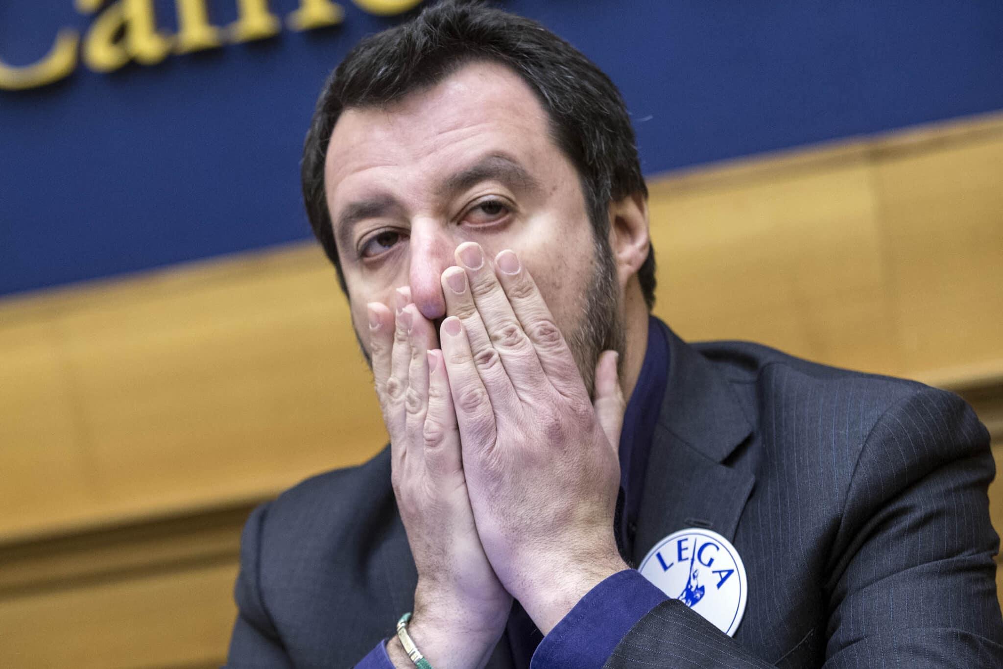 In un mese giunti 7.068 clandestini <br> Dopo il sì al processo a Salvini perché ha difeso le frontiere, prepariamoci ad un'invasione più massiccia <br> Il governo ha così legittimato un sistema illegale