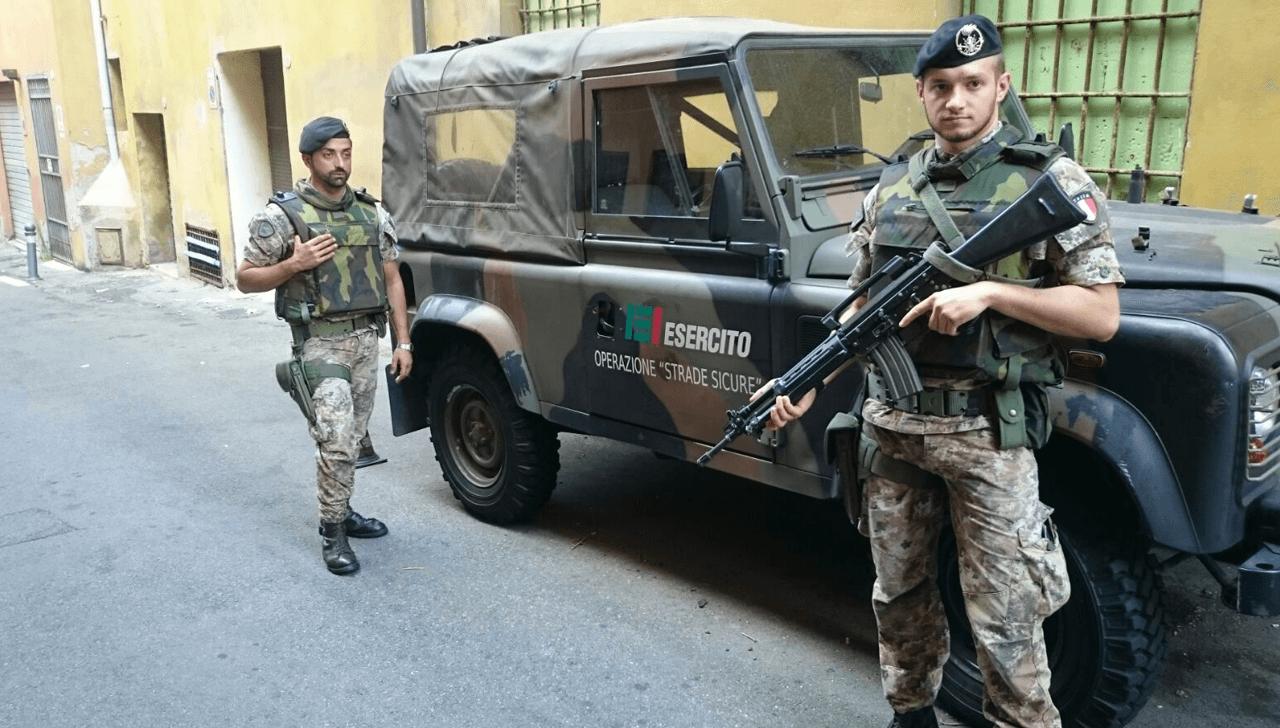 Soltanto in Sicilia per sorvegliare i migranti sono impiegati 979 militari.<br> Sosteniamo le spese di un Paese in guerra per gestire clandestini indisciplinati