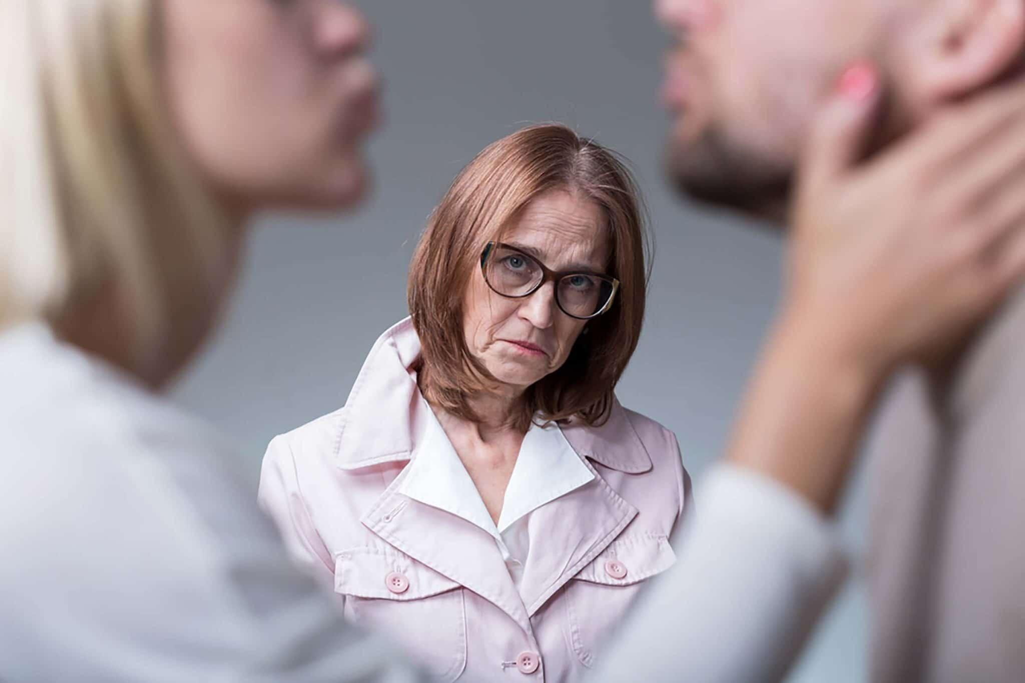 """Un matrimonio su tre entra in crisi a causa della suocera <br> Eppure, come diceva Totò, """"non tutti i mali vengono per suocere"""""""