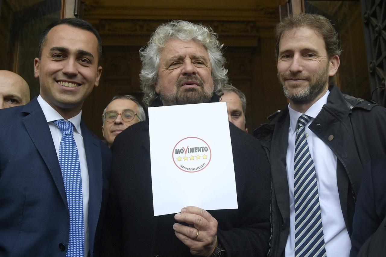 M5s destinato all'estinzione insieme all'Associazione Rousseau, in crisi perché i grillini non versano i 300 euro mensili. E cosa accadrà quando gli eletti saranno soltanto 4 gatti?