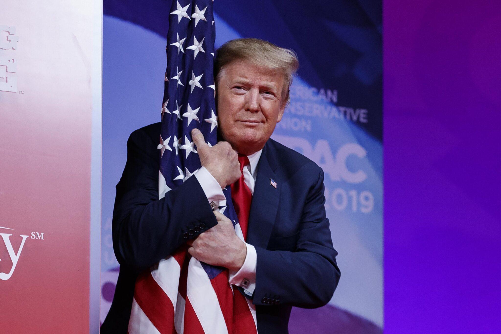 Trump come Madre Teresa di Calcutta.<br> Donald candidato per il Premio Nobel per la pace 2021.<br> Dove altri hanno portato la guerra, il presidente USA ha favorito la concordia