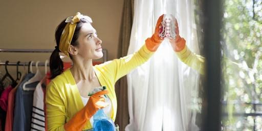 """Altro che palestra! Fare le pulizie aiuta a mantenersi in forma e allunga la vita. <br> Ecco tutti i vantaggi dei """"lavori domestici"""""""