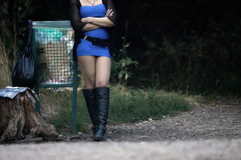 Soddisfatti o rimborsati.<br> Lui non raggiunge l'orgasmo, interviene la polizia e la prostituta restituisce 10 euro al cliente