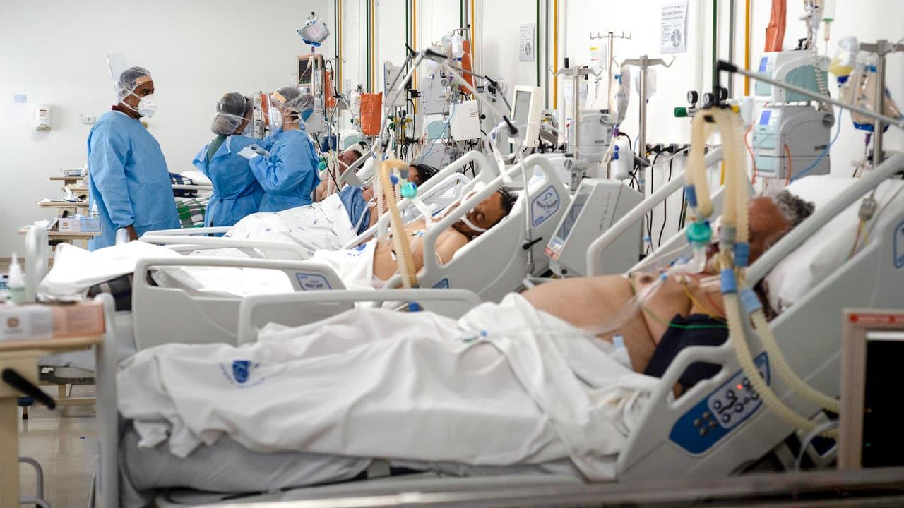 Canuti e bastonati. In assenza di posti in terapia intensiva, ad essere scartati sono i pazienti anziani. In Svizzera medici costretti a scegliere chi salvare
