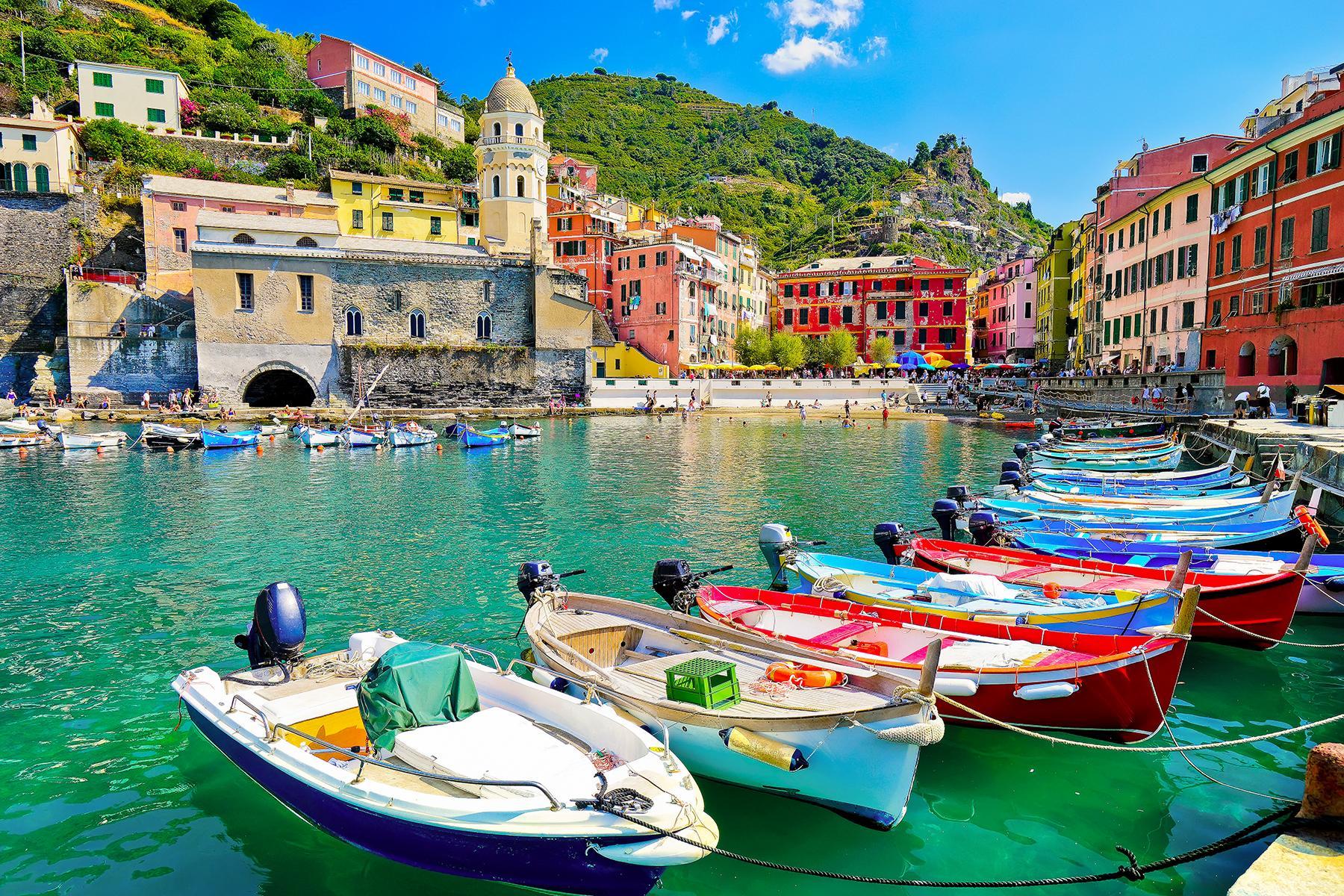 Smart-working: migliaia di italiani scelgono di lavorare dal Sud, dove la vita è più lieve e meno cara.<br> Nuove forme di delocalizzazione: a trasferirsi oggi sono i lavoratori, non le aziende