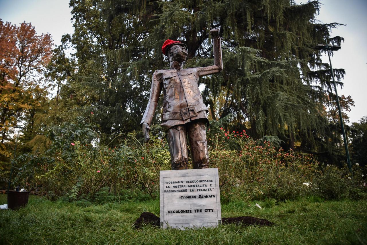 Dopo la distruzione, la sostituzione delle statue.<br> L'Occidente rinnega le proprie radici. Ecco come il nostro senso di colpa ci annienterà