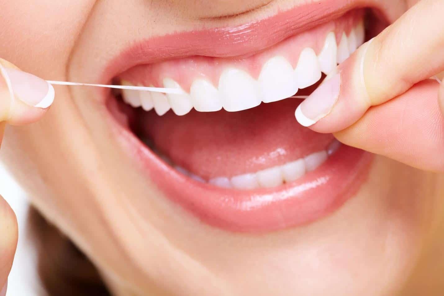 Cala del 30% il fatturato dei dentisti.<br> Tra crisi economica e mascherina obbligatoria all'aperto e al chiuso, gli italiani curano meno l'igiene orale