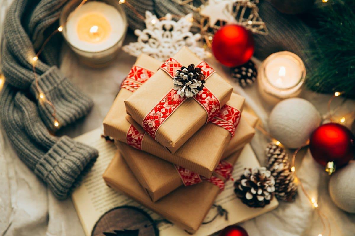 Natale gramo: oltre un quarto degli italiani non farà regali. Ma senza doni la magia natalizia un po' si spegne