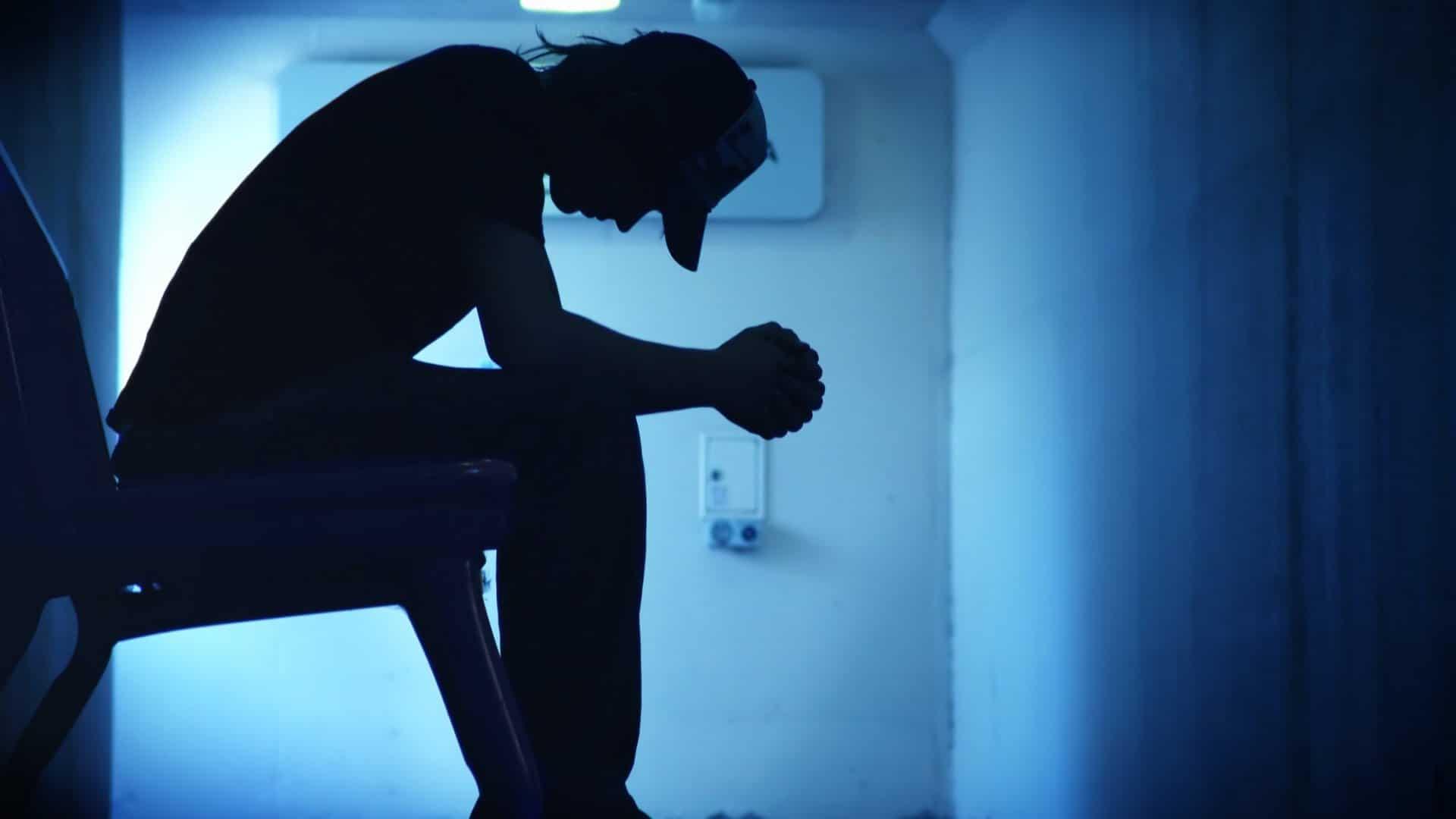 Nel solo mese di ottobre in Giappone 2.153 suicidi.<br> Isolamento forzato e chiusure producono danni economici e psicologici sottovalutati dai governi