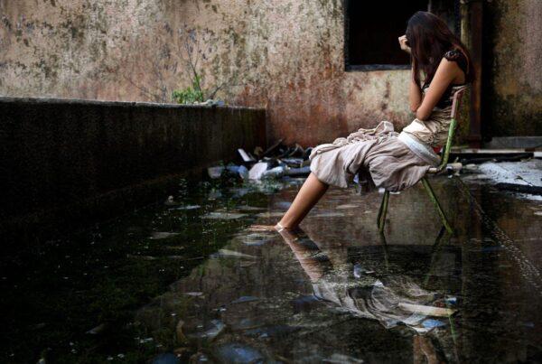ragazze pakistane segregate in casa