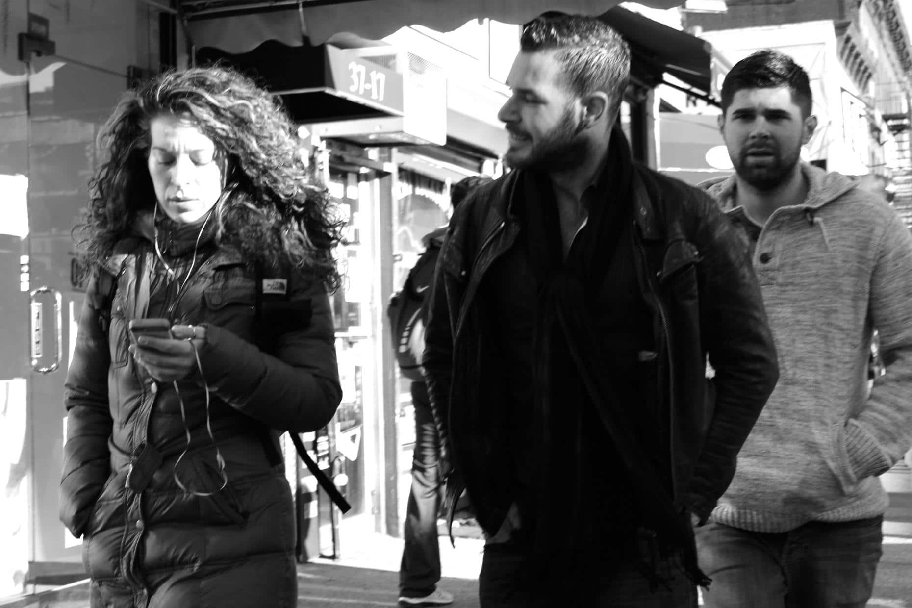 """Il primo uomo indagato per """"catcalling"""" è un militare di Milano: aveva rivolto alcuni apprezzamenti ad una ragazza e ora rischia l'arresto"""