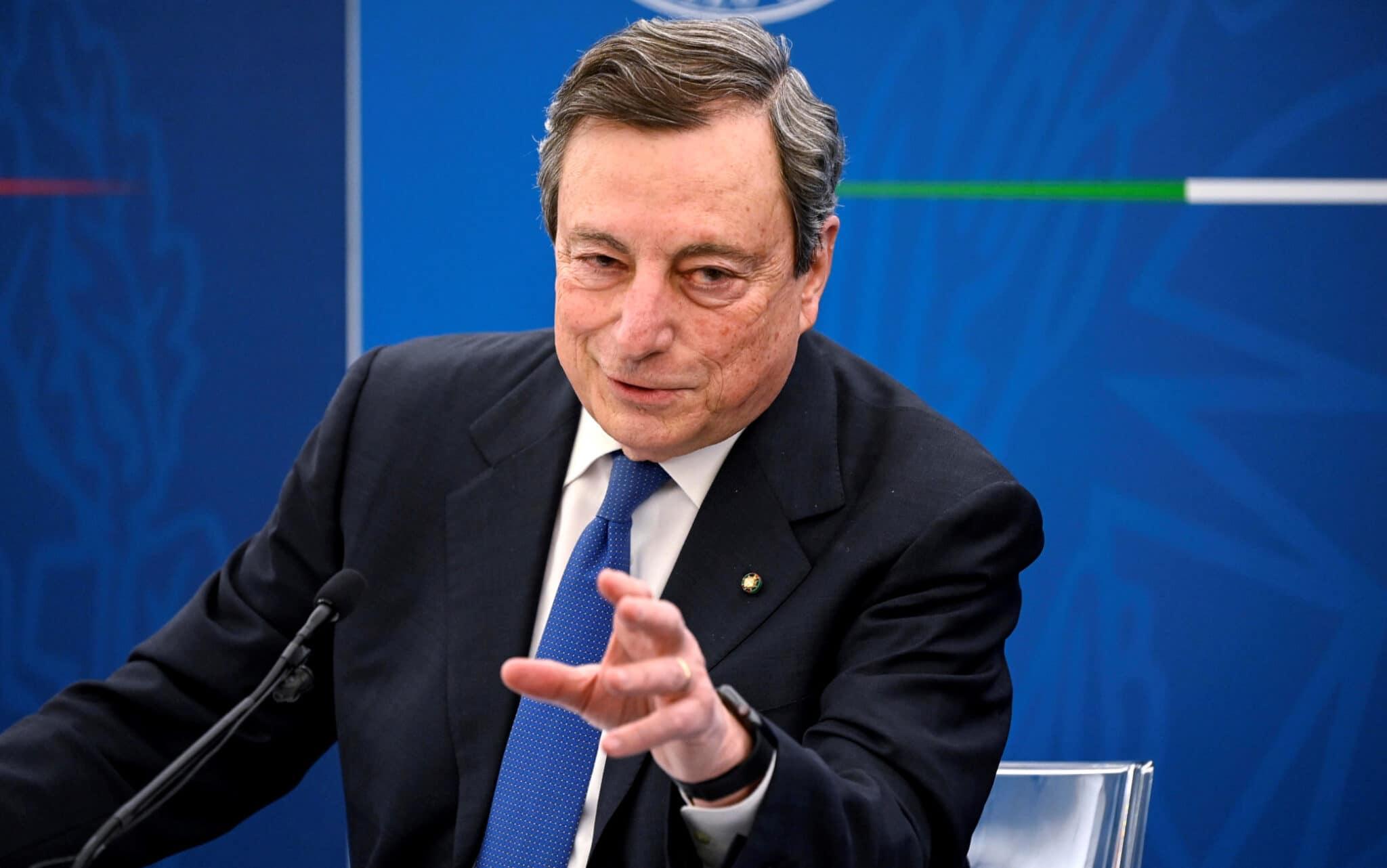"""""""Se non ti vaccini, contagi e fai morire"""", """"il Green Pass garantisce di ritrovarsi con persone non contagiose"""". Il Messia Draghi le spara grosse. Pure gli immunizzati infettano. Allora a cosa serve il Green Pass?"""