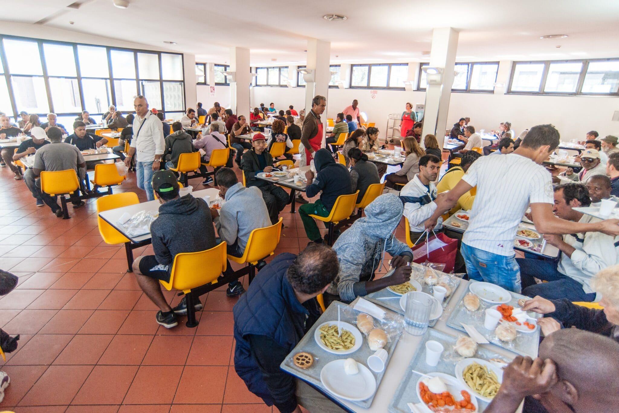 Il dramma dei senzatetto della Provincia di Trento: non possono vaccinarsi e non possono accedere a mense e dormitori senza vaccinazione. Politica ottusa e crudele