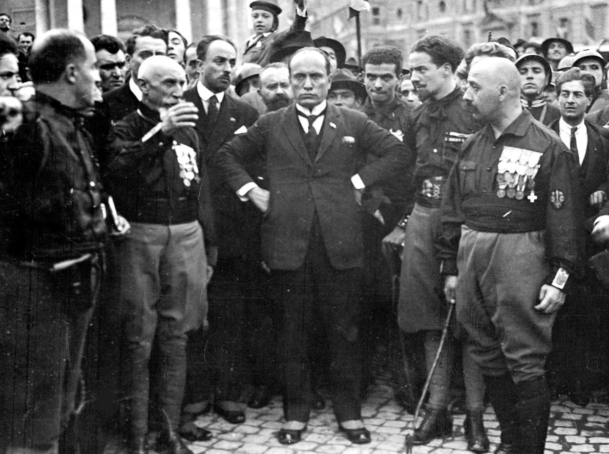 Obbligo di Green Pass: solo il regime fascista ha imposto l'esibizione di una tessera per poter lavorare. E poi la ducetta sarebbe Giorgia Meloni…